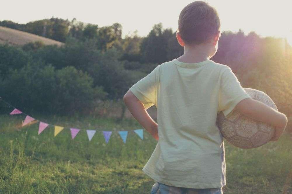 kid_soccer1k